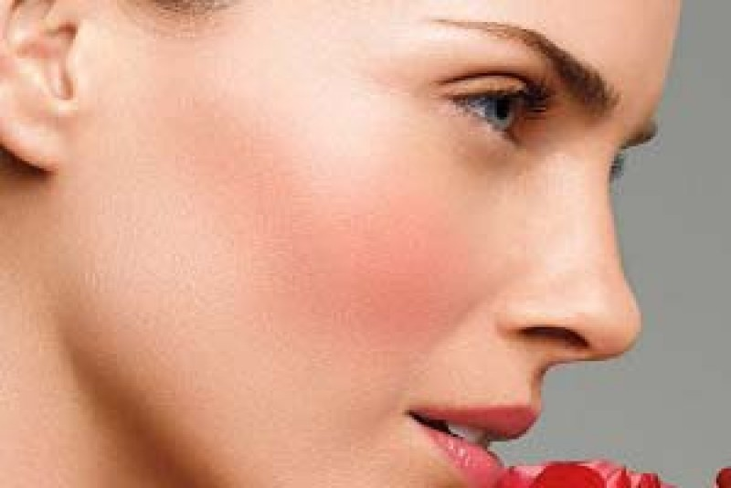 با روشهای جوانسازی پوست در همدان آشنا شوید